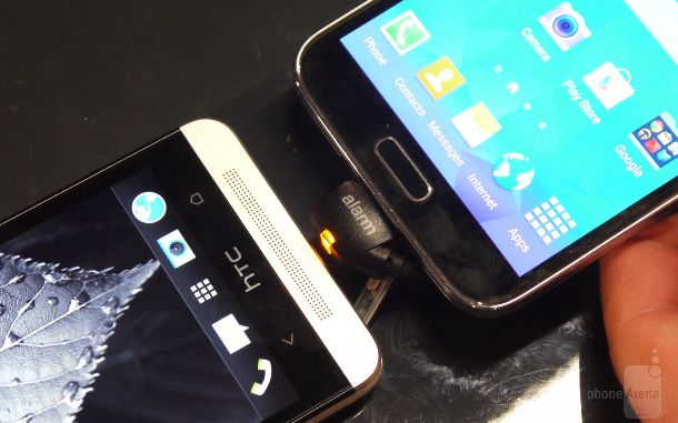 galaxy-s5-vs-htc-one-1